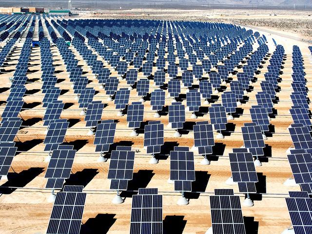 """Dự án điện mặt trời """"siêu to khổng lồ"""" tại bang Neveda nước Mỹ"""